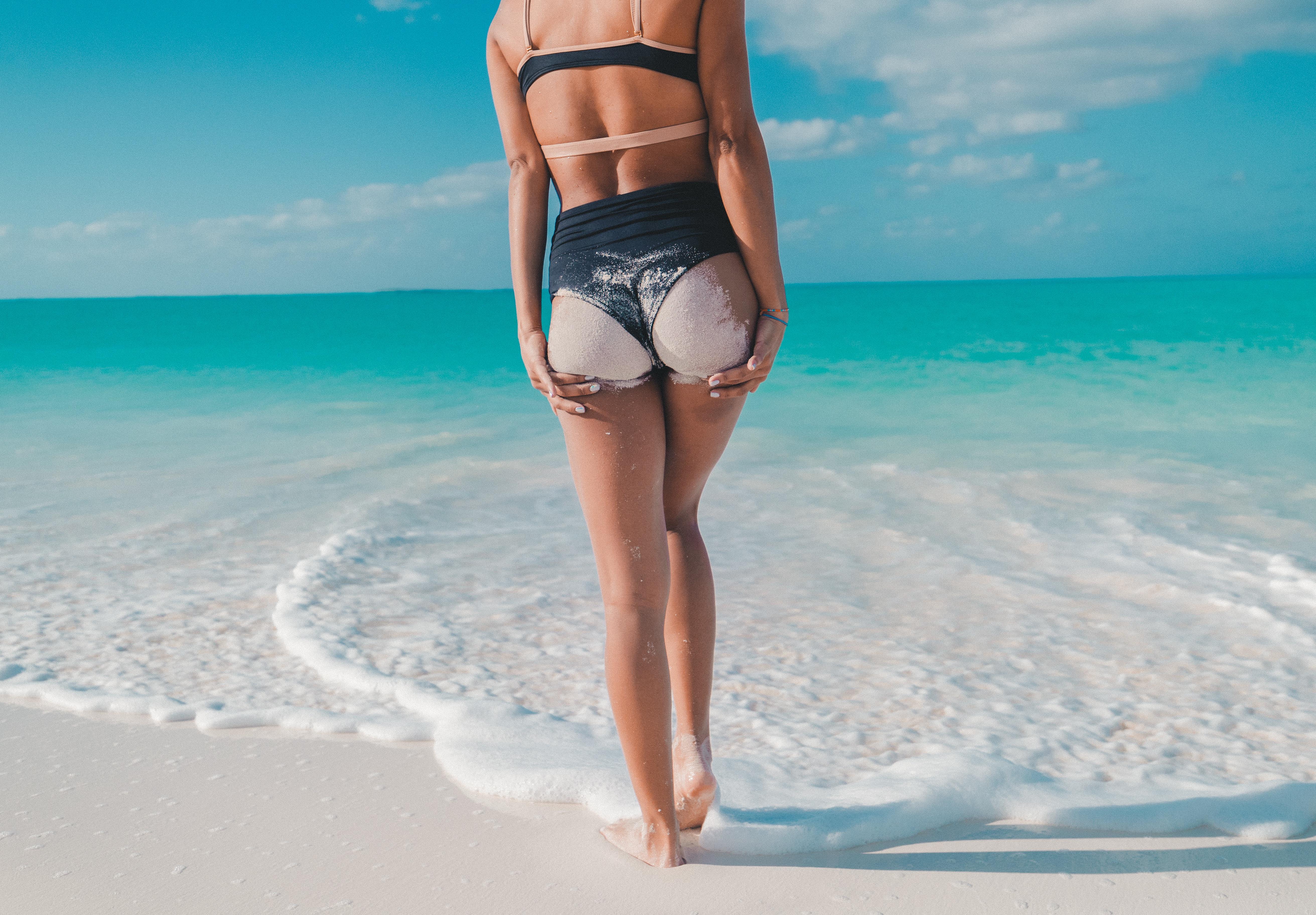жопа на выворот на пляже